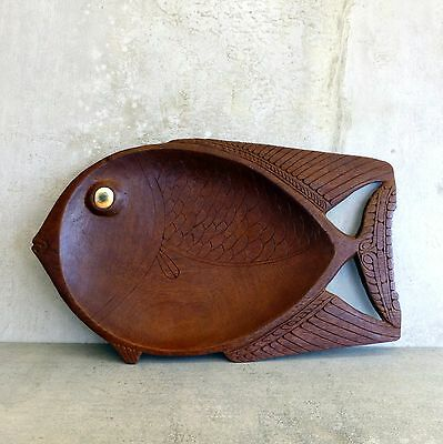 Vintage Hand Carved Wooden Fish Dish with Cats Eye Shell Pacific Souvenir 1960s