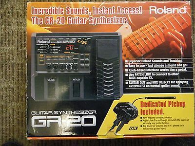 Roland Gr 20 Guitar Synthesizer / Gk 3 Pickup Included