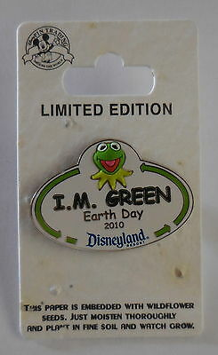 Disney pin DLR 2010 Earth Day Cast Exclusive pin on Plantable card Pin LE500
