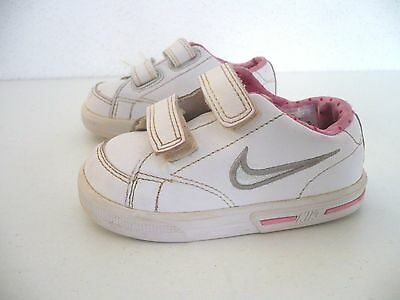 Baskets ♥ NIKE ♥ P 21 Pointure fille  chaussures  blanc et rose