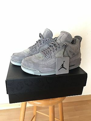 Nike x KAWS Air Jordan 4 Retro - UK 8.5 / US 9.5