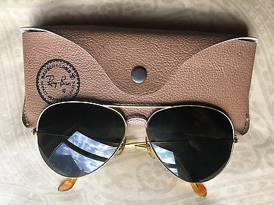 large vintage B & L Ray-Ban gold aviator sunglasses gray lenses 62 14