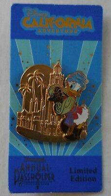Disney Pin DCA DLR Carthay Circle Theater Annual Passholder Daisy Duck LE2500