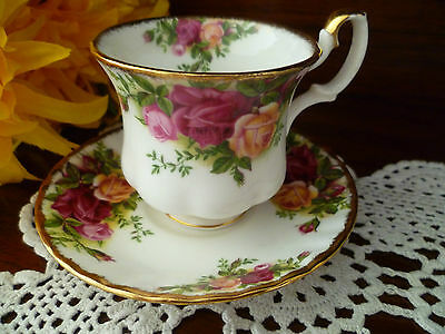 Coffee Cup & Saucer Old Country Roses By Royal Albert Made In England 1962