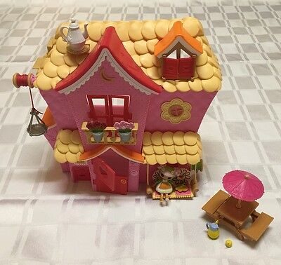 Lalaloopsy Sew Sweet House Playhouse with Exclusive Character