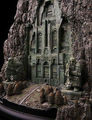 The Hobbit Front Gate Of Erebor Weta Cave