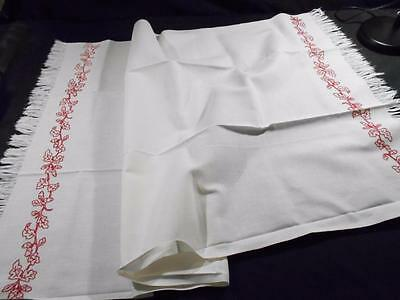 Lrg Vintage White Linen Table Runner W/turkey Red Embroidered Acorns&oak Leaves
