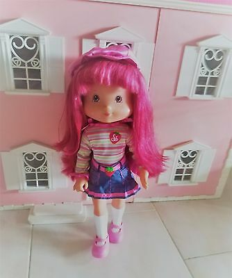 "Beautiful Strawberry Shortcake Play Date Pals Doll Playmates 2006 15"" 38 cm"