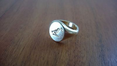 18ct gold signet ring, Fisher crest, size N
