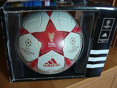Adidas Fussball Finale Moscow 2008 OMB Champions League Matchball mit Box