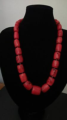 Coral Beads Necklace. Vintage Chinese Export. Mediterranean Coral.