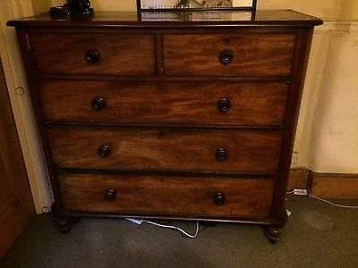 Large Late Georgian Mahogany Chest of Drawers with Turned Handles