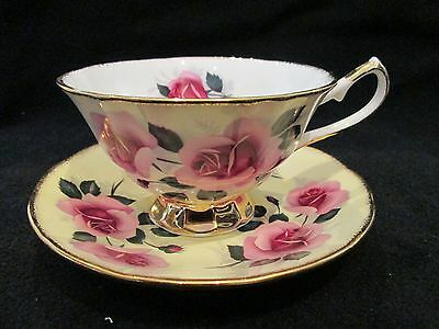 "BEAUTIFUL 🌹🌹 VINTAGE ""Elizabethan"" ROSES Frosted Bone China Tea Cup Set ~MINT"