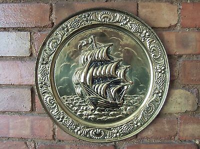 """LARGE VINTAGE 1950s BRASS WALL PLATE, 14.25"""" DIA., SAILING SHIP/SPANISH GALLEON"""