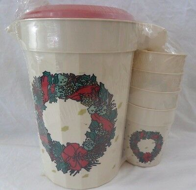 Vintage PackerWare Holiday Wreath Plastic Pitcher With 4 Cups USA NOS Sealed