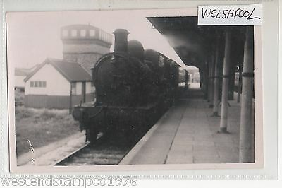 Wales 1951 Welshpool Station And Steam Train 9024 Real Photograph Not Ppc.