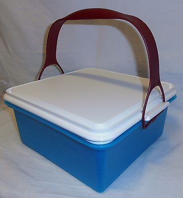 BNIP TUPPERWARE bring back Square Cake Taker (postage to MELB is $11.50)