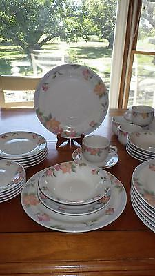 Stoneware Dinnerware Set Service 6 + 33 piece set Floral Design Lynns China