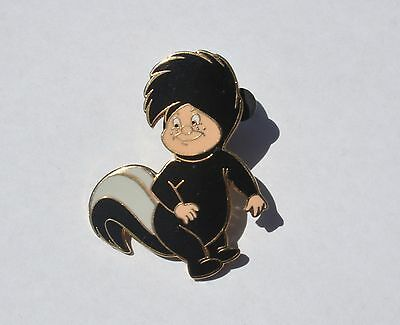 Tootles as Skunk Pin, Lost Boys, Disney 2002 Trading Pin, Excellent Condition