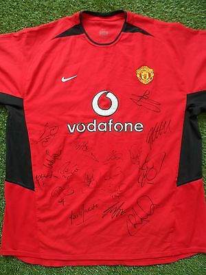 MANCHESTER UNITED Football Shirt Hand Signed by 17 Legends - Man Utd - Andy Cole