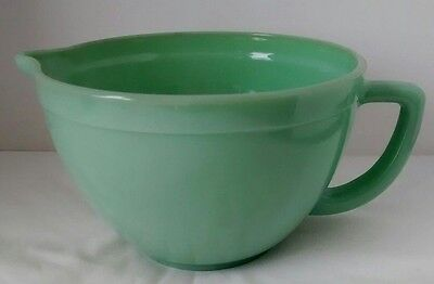 Fire King Jadeite Batter Bowl Anchor Hocking 2000 2.5 Qt Handle Spout Mixing