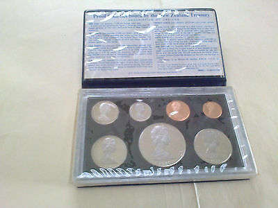 New Zealand 1976 Complete Proof Set In Case