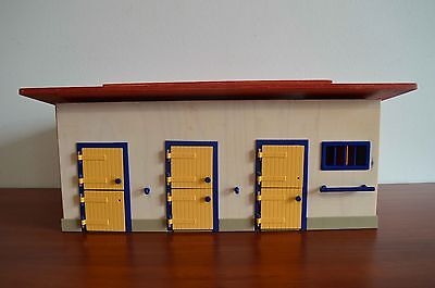 Schleich 40164 Horse Stable - some parts missing FREE SHIPPING