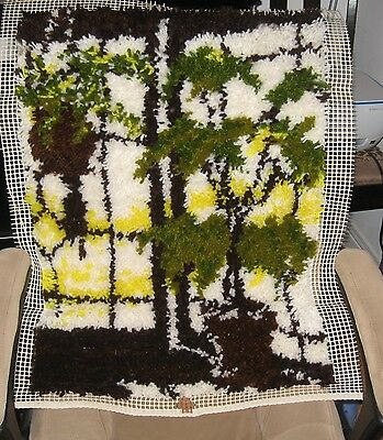 "Rare!!  Vintage Charmin Open Window Latch Hook Rug  Complete  # 7315 20"" X 27"","