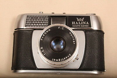 Vintage/Retro 35mm HALINA 'Paulette Electric' camera with original leather case