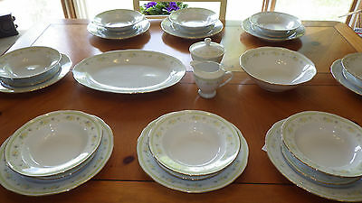 Fine China Dinner Set White Floral Pattern Service for 8 + Hostess Set EUC