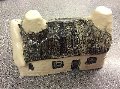 Tey Pottery Studio CROFTERS COTTAGE - RARE No 21 WITH ORIGINAL LABEL UK P&P Incl