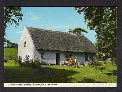 """""""THATCHED COTTAGE, BUNRATTY FOLK PARK, Co. CLARE"""" Postcard Ireland Co.CLARE"""