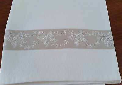 Vintage 1940s WHITE Cotton Damask BEIGE Butterfly Edge Guest Hand Towel
