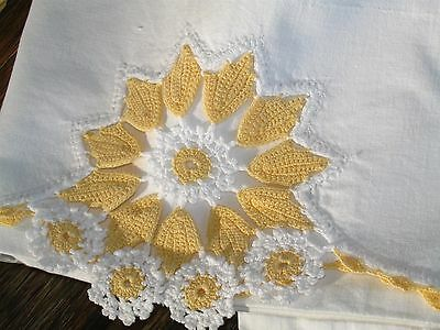 VTG Cotton Sheet Crocheted Lace Scalloped Drawnwork  Edge matching Pillow Cases