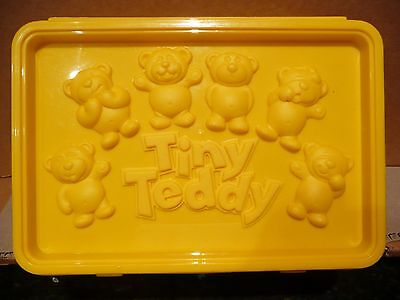 ARNOTTS BISCUITS TINY TEDDY PLASTIC LUNCHBOX not an Arnott's tin 14 years old