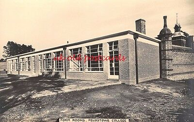 Suffolk - FELIXSTOWE, College, Form Rooms, Real Photo, Plain Backed Postcard