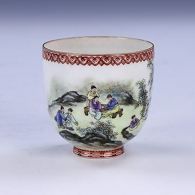 A Chinese Antique Famille Rose Egg Shell Porcelain Cup, Qing Dynasty