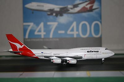 Dragon Wings 1:400 Qantas Boeing 747-400 VH-OJO (55574) Die-Cast Model Plane