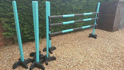 Superb set of show jump wings, poles and jump cups
