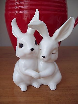 Royal Osborne  Bone China White Gloss Sweetheart Rabbits Tmr-5600