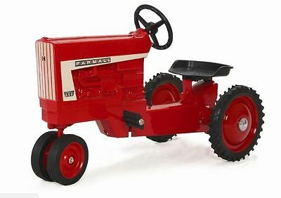 Farmall 656 Narrow Front Pedal Tractor