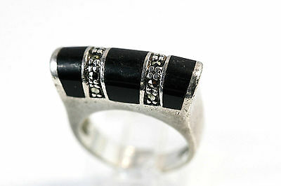 D146 Black Onyx Marcasite high releif Sterling 7.6g 925 Ring size 5 1/2