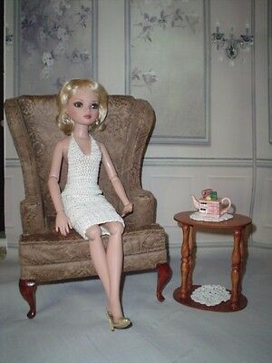 OOAK Diorama Side Table Doily +  1:4 Scale Ellowyne Tyler BJD  Tonner Oval