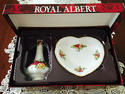Royal Albert Gift Boxed Old Country Roses Vase & Heart Shaped Trinket Dish
