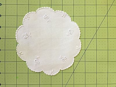 """8 Pc Hand Embroidered Madeira White Cocktail / Beverage Rounds 6""""  E53"""