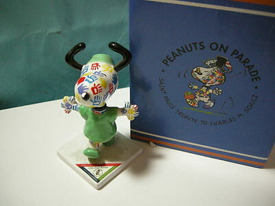 """Westland Peanuts on Parade """"Little Green Booties"""" Snoopy #8387 Figure"""