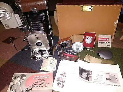 Vintage 1950's Polaroid Model 95 b Land Camera W/ Carrying Case & accessories