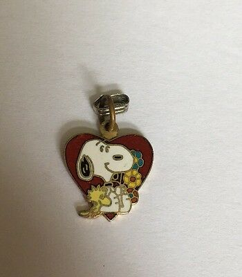 "Peanuts 1/2"" Gang Collectible Snoopy Enamel Heart Charm Pendant Jewelry X-71"
