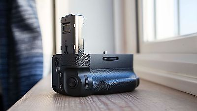 Genuine Sony VG-C2EM Battery Grip - Fits A7II, A7SII and A7RII