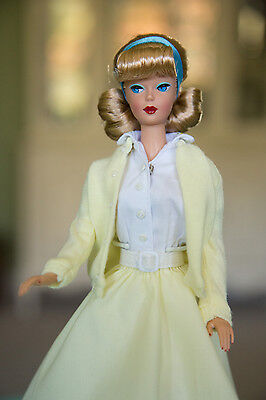 Gorgeous Barbie Vintage Repro American Girl blonde Side-Part in 50s outfit